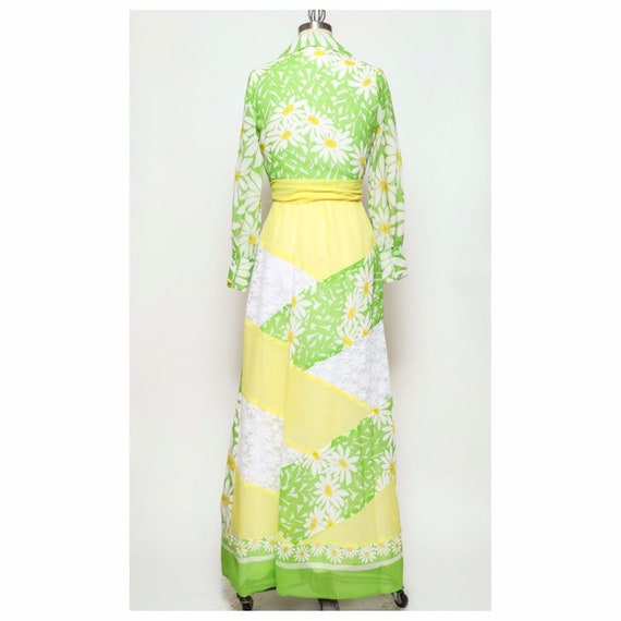vintage late 60s/early 70d unbranded daisy yellow… - image 3