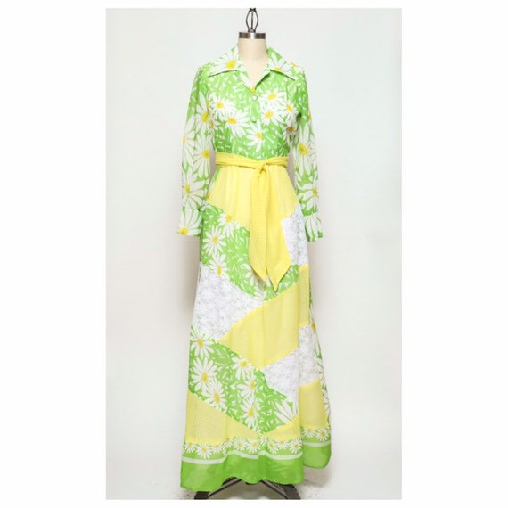 vintage late 60s/early 70d unbranded daisy yellow… - image 1