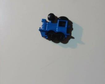 Blue train needleminder