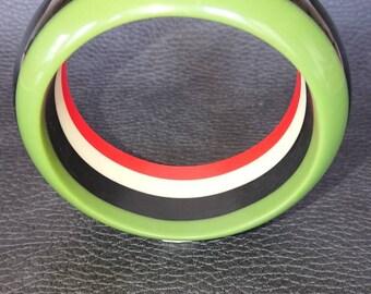 Acrylic bold striped bangle. Retro. Statement piece.