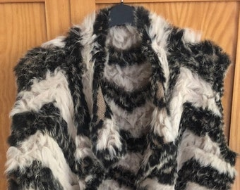Fur gillet, super soft and warm. Black & white zig zags. Shawl collar