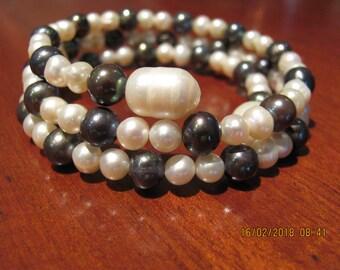Memory wire fresh water pearl braclet