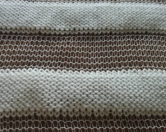 Handkerchief Calado woven with two threads. Merine wool with silk and natural silk.