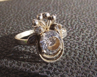 Vintage stone ring with crown