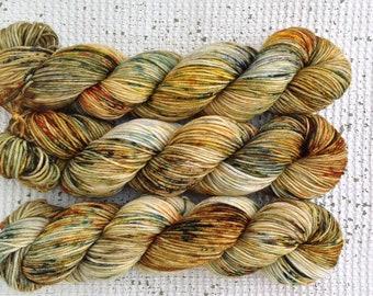 Fox on the Run - DK Hand Dyed Speckled Yarn - Double Knitting - Superwash merino nylon - Green Brown Blue