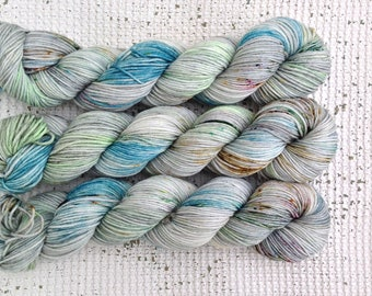 Birdy - Hand Dyed Speckled DK Yarn - Superwash Merino Nylon - Grey Green Blue