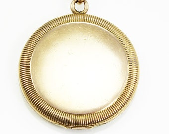 Antique Victorian Gold Filled Round Locket Pendant Necklace Ribbed Coin Edge - Sentimental Romantic Jewelry
