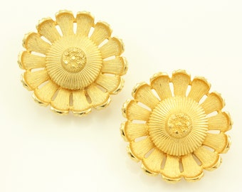 Sarah Coventry Flower Earrings - Gold Tone Sun Flower Clip Ons - Vintage Signed Jewelry