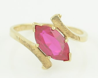 10K Yellow Gold Ruby Bypass Ring- 1960s Mid-Century Modern Lab Created Ruby Lady's Ring - Size 6.5 2.2 gram - Vintage Fine Jewelry - Estate