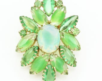 Vintage Lime Green Givré Glass Marquise STATEMENT BROOCH Pin in Gold Tone - Green Rhinestones