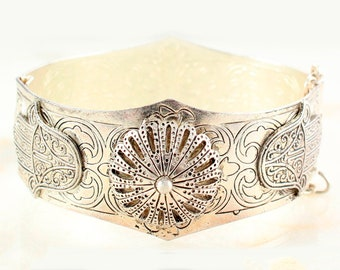 Vintage Hamsa Hand and  Camel Motif Silver Tone Hippie Hinged Bangle Bracelet