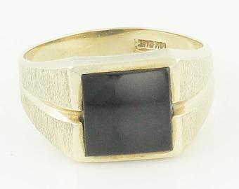 10K Black Onyx Mans Ring - Florentine Yellow Gold Signet Style Ring Size 10 1/4 - Signed EMI - Vintage Fine Jewelry