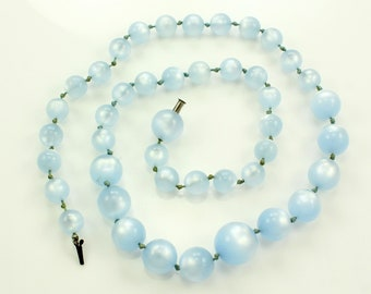 "Baby Blue Moonglow Necklace - 1940s Plastic Bead Graduated Hand Knotted 22"" Rockabilly Necklace - Vintage Costume Necklace"