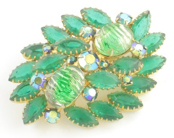 Vintage Emerald Green Givré Art Glass Marquise STATEMENT BROOCH Pin in Gold Tone - Green Aurora Borealis Rhinestones - Vintage Jewelry