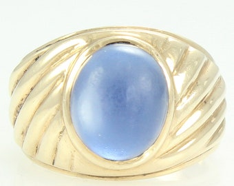 Men's 10K Blue Moonstone Ribbed Ring - Yellow Gold 5 CT Natural Blue Moonstone - circa 1970 Size 8.25 9.1 gr - Vintage Fine Jewelry