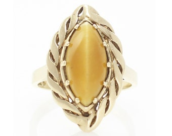 14K Cats Eye Milk and Honey Chrysoberyl Ring - Vintage Yellow Gold Marquise Statement Ring - 1960s 5 grams Size 6 1/2 - Estate Fine Jewelry