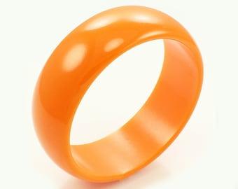 "Bright Tangerine Orange Bakelite Bangle Bracelet 1"" Wide 1940s"