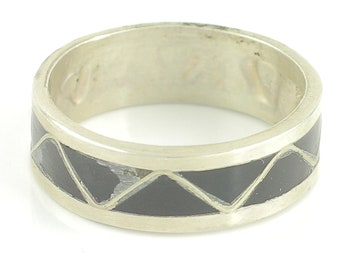 Vintage Sterling Silver Black Onyx Inlay Triangle Wedding Band Ring Size 7.5 - Southwestern Inlaid Onyx Stacking Band - Hippie Wedding Ring
