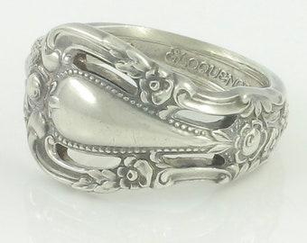 Vintage Lunt Sterling Eloquence Spoon Ring - 925 Silver Size 6 Floral Pattern - 7.4 grams - Made circa 1970 - Vintage Jewelry