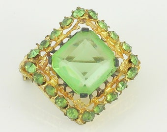 1930s Czech Brooch Green Crystal - Art Deco Filigree Spring Green and Gold Tone Pin - Vintage Costume Jewelry