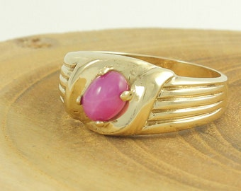 10K Men's Ring Lab Created Pink Star Sapphire - 1960s 10K Yellow Gold Ribbed Mans Ring Size 8 - Vintage Fine Jewelry