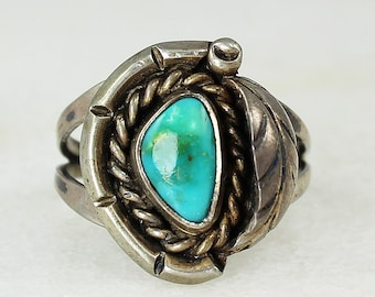Vintage Sterling Silver and TURQUOISE RING Southwestern Size 7 - Hand Made Hippie Jewelry