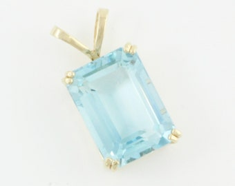 20 Carat Blue Topaz Pendant - Emerald Cut Blue Topaz in 14K Yellow Gold - Vintage Fine Jewelry - Estate Necklace Pendant