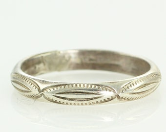 Southwestern Stamped Silver Band - Vintage Sterling Wedding Ring Size 8.25 - 1970s Old Pawn Jewelry