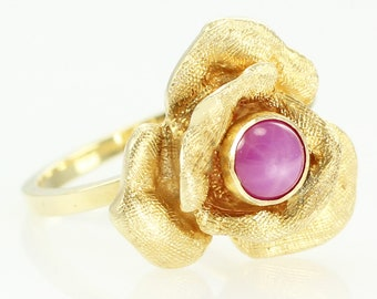 Vintage 14K Gold Rose Blossom Ring with Pink Linde Star Sapphire - 14K Yellow Gold Flower Ring - Estate Jewelry - Floral Botanical Jewelry