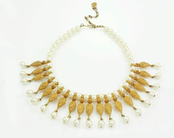 Faux Pearl Cleopatra Collar -  Vintage Simulated Pearl Gold Tone Choker Necklace - 1950s Unsigne d
