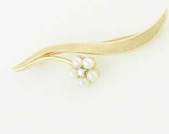 Pearl Diamond Flower Brooch - Floral Pin in 14K Yellow Gold with Pearls and Diamond - 1960s Mid Century - Helm & Hahn - Vintage Fine Jewelry