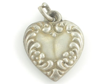 Vintage Silver Repousse Puffy Heart Bracelet Charm - Engraved MP Sterling Heart Pendant - 0.8 gram circa 1940 - Vintage Jewelry