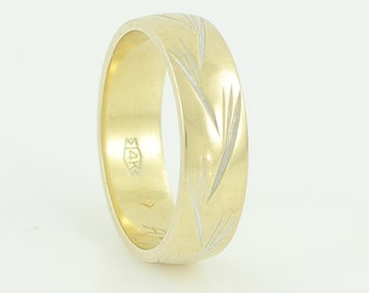 14K Yellow White Gold Wedding Band - Engraved Pine Needles 6 mm Wide Band Ring Size 9 - Stacker Stack Ring circa 1972 - Vintage Fine Jewelry