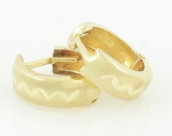 Vintage Gold Huggie Hoop Earrings - 14K Yellow Gold Chevron Diamond Cut Satin Bright Finish Hoops Retro - Circa 1985 - Vintage Fine Jewelry