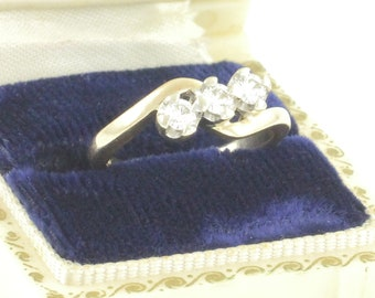 14K Diamond 3 Stone Ring - 1980s .33 CT Natural Diamond Bypass Ring 14K Yellow Gold Size 6 - Vintage Fine Jewelry