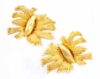 Hattie Carnegie Gold Tone Earrings - Signed Mod Butterfly Clip Ons - Vintage Costume Jewelry