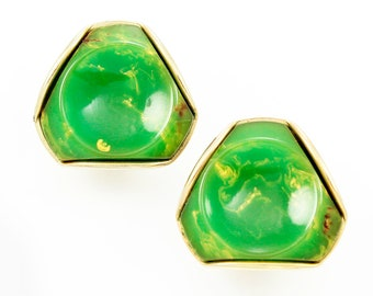 Green Bakelite Earrings - 1940s Creamed Spinach Geometric Clip On Earrings - Vintage Jewelry