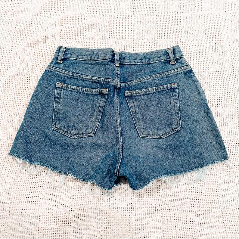 Vintage Cut Off Shorts Size 28 0273