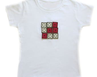 Girls Funny Top INTERACTIVE NOUGHTS CROSSES Game T-shirt Velcro Removable X's & O's