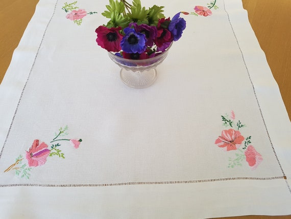 1//2 Normal Price Several Designs Tablecloths Embroidered Lovely Quality