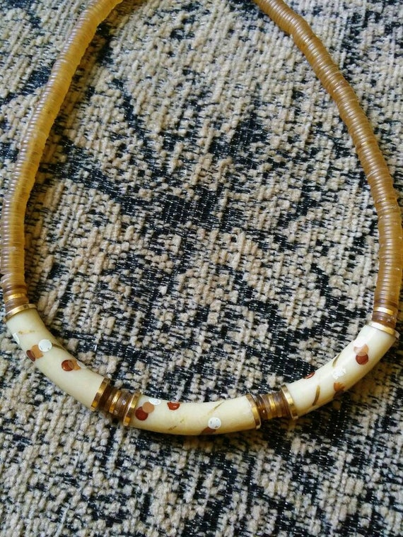 40s/50s delicate cream hand painted necklace