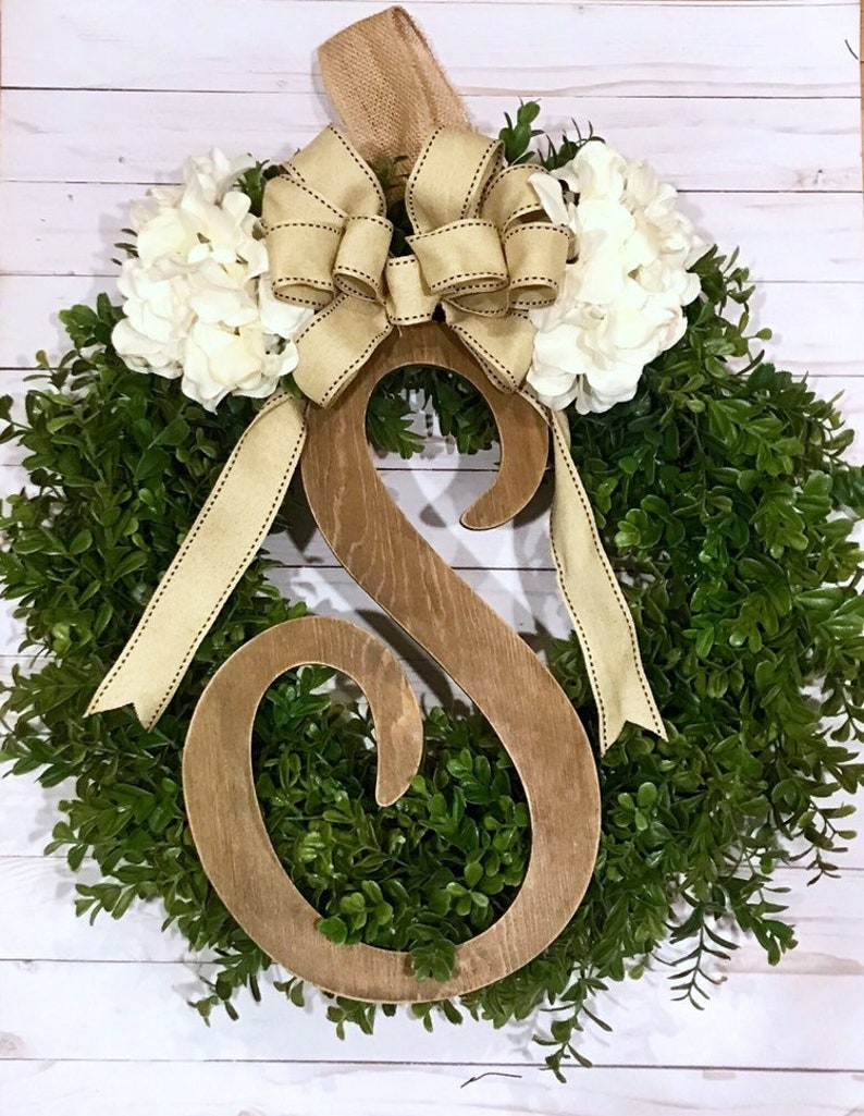 Year Round Boxwood Front Door Decor Mother/'s Day Present Full Boxwood Greenery Wreath with Personalized Initial New House Gift