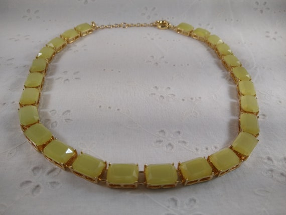 """Vintage Yellow Lucite Necklace - Lemonade Yellow Acrylic Set in Gold Toned Metal - 17-19"""""""