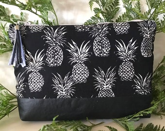 Black Pineapple Pouch/Clutch with inside lining and zipper pull