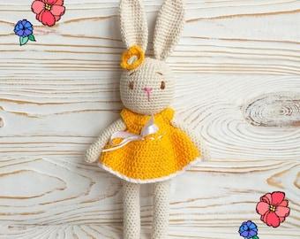Amigurumi bunny in dress (free crochet pattern) | Mindy | 270x340