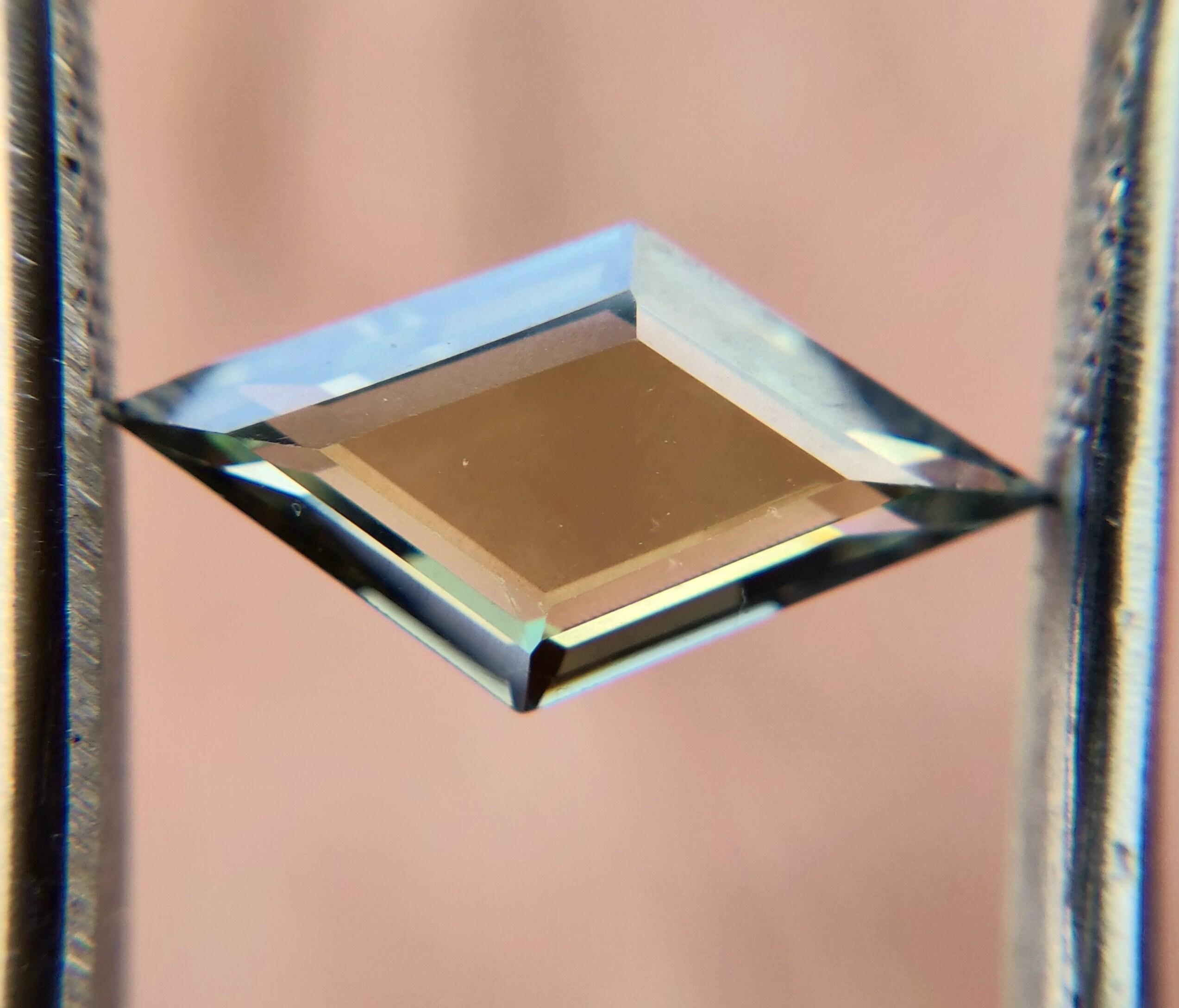 1,66 carat 14.21 * 7,71 * * * 2,54 MM Rose coupe inégale Moissanite avec Inclusion pour la fabrication de bague/pendentif   Moissanite en vrac   Rose Cut Moissanite inégale 63d37d