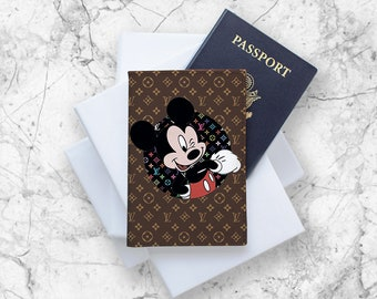 f1007eba366b3 Inspiriert von Mickey Mouse Pass Halter Pass Fall Louis Vuitton Leder Pass  personalisierte Fall Pass Pass Inhaber Brieftasche LV