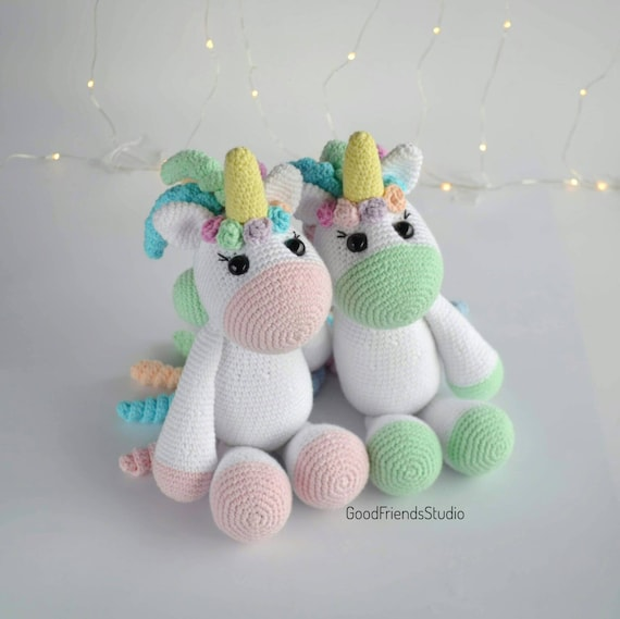 Rainbow Cuddles Crochet Unicorn Pattern - One Dog Woof | 569x570