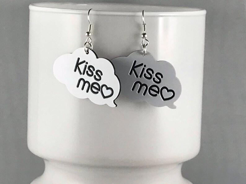 KISS ME EARRINGS kawaii