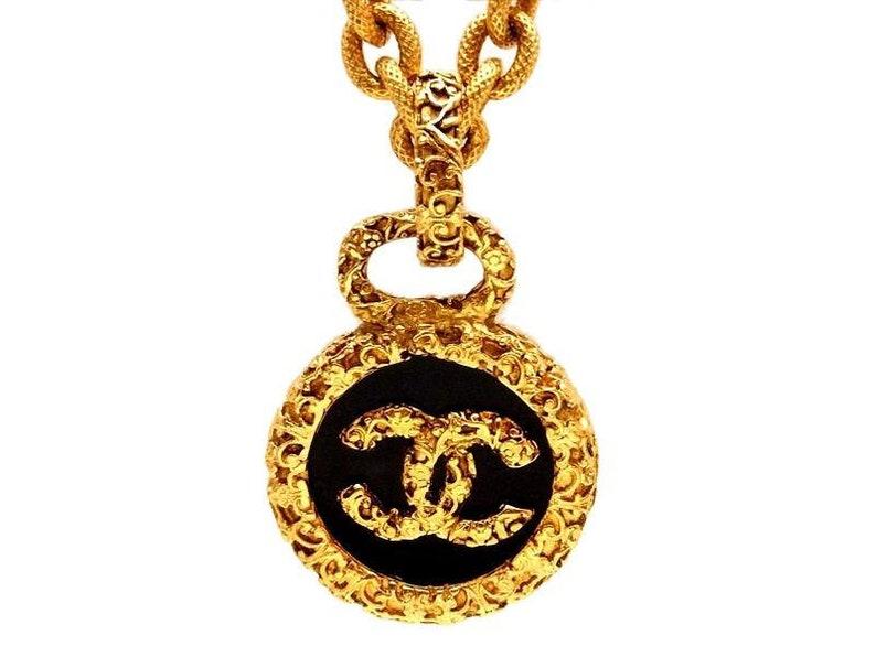 4b16f5cbb83940 Vintage Chanel necklace CC logo black round ne651   Etsy